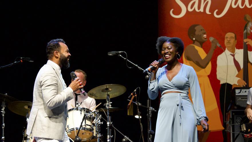 Myles Sanko y su inviantada, Vanessa Haynes