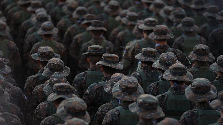 Un grupo de 1.400 militares salvadoreños se suman al plan de seguridad de Bukele