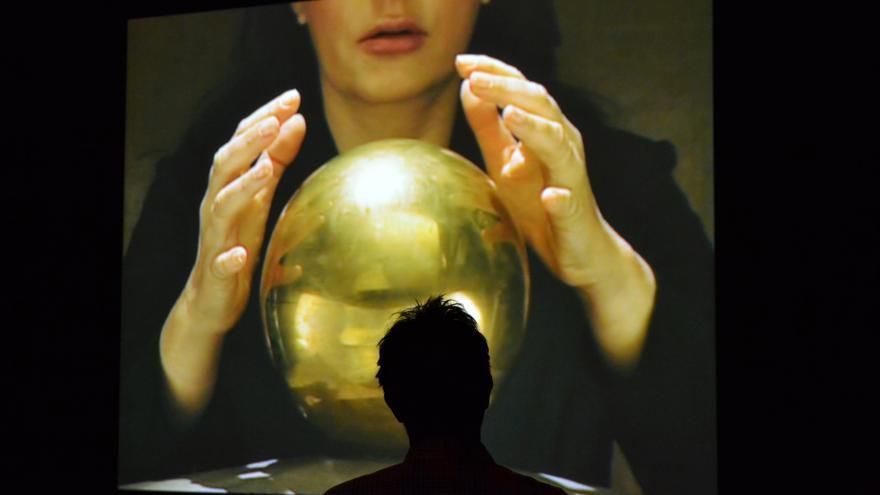 """Una imagen del vídeo """"Tesla Urn"""""""