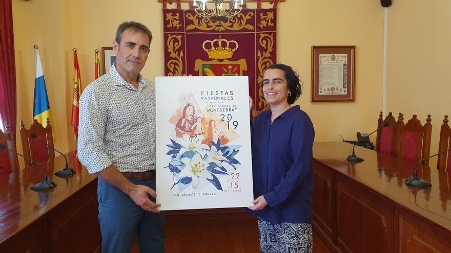 Francisco Paz y Miriam Fernández muestran el cartel.