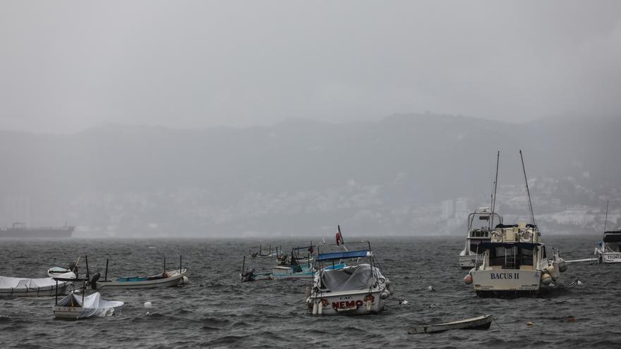 El huracán Enrique se localiza frente a costas de estado mexicano de Jalisco