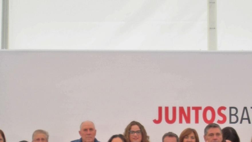 """Sánchez dice que Rajoy no pide el escaño a Barberá por ser parte del """"puzzle de financiación irregular"""" del PP"""