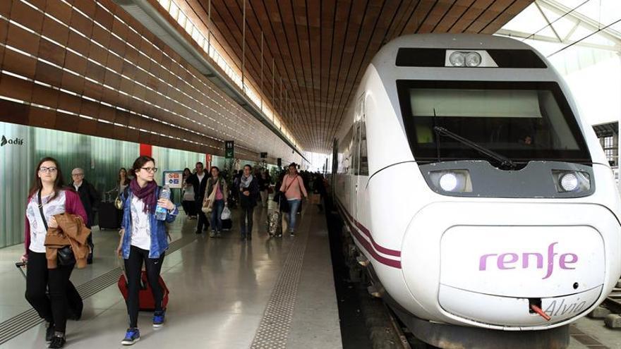 Renfe oferta el sábado 25.000 billetes-aniversario del AVE a 25 euros