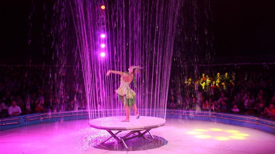La primera función del espectáculo contó con la asistencia de más de 600 personas. Foto: JOSÉ AYUT