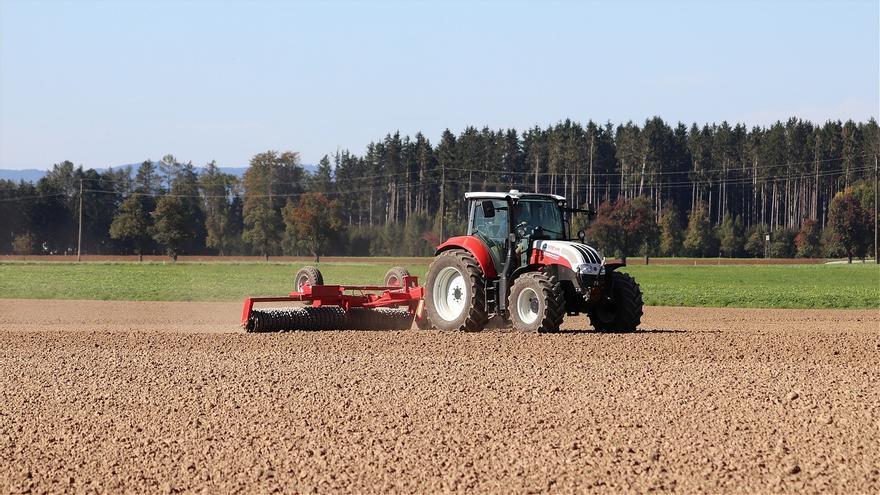 Los agricultores defienden sus labores en el campo para abastecer de alimentos a la población