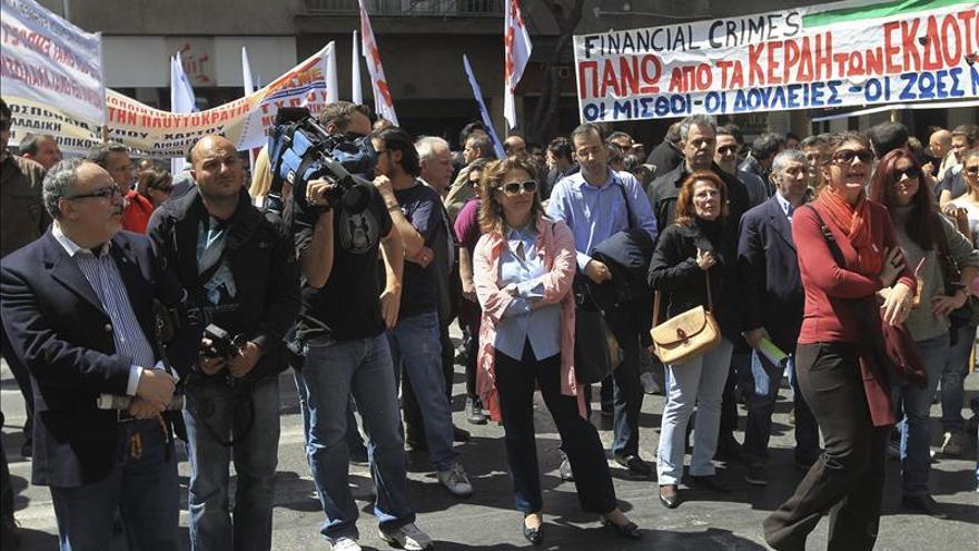 Los medios de comunicación griegos paran 24 horas en víspera de la huelga general