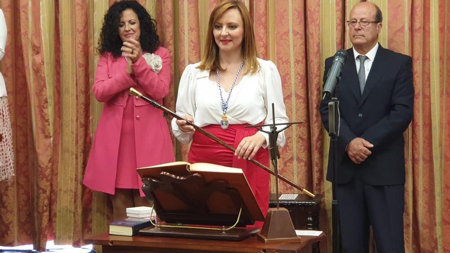 Nieves Lady Barreto, este lunes, tras la toma de posesión de la Presidencia del Cabildo.