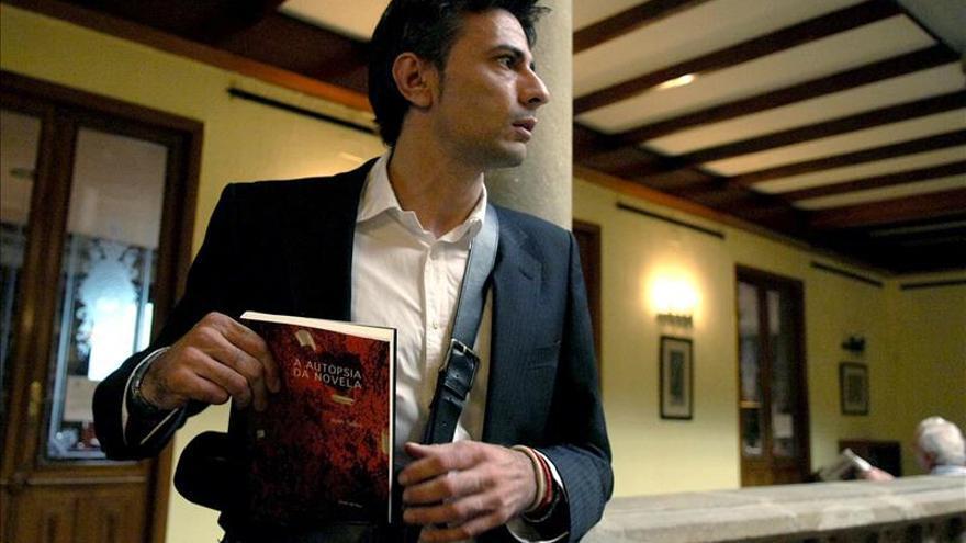 """Juan Tallón hilvana en una novela-ensayo su lista de """"Libros peligrosos"""""""