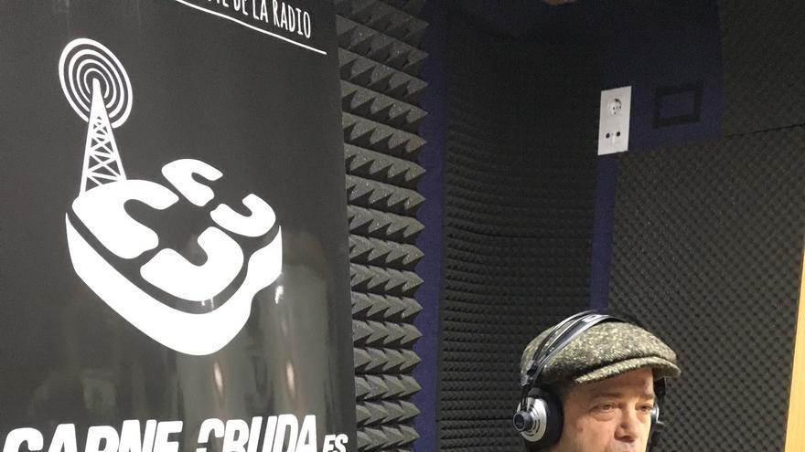Santiago Auseron Juan Perro en Carne Cruda