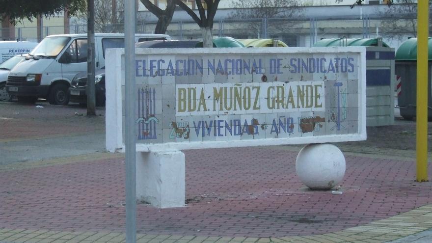 """Podemos reclama retirar un monolito de Utrera dedicado al """"franquista"""" Muñoz Grandes"""