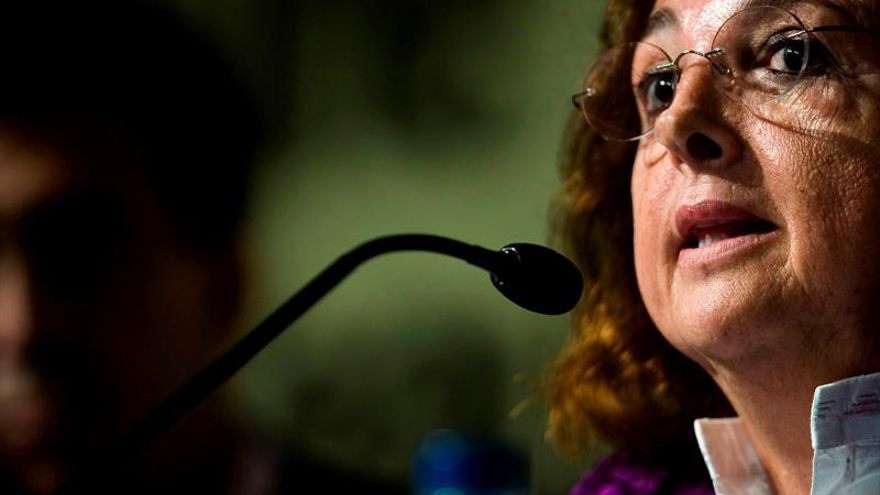 Carmen Sarmiento recibe el premio Clara Campoamor por su compromiso feminista