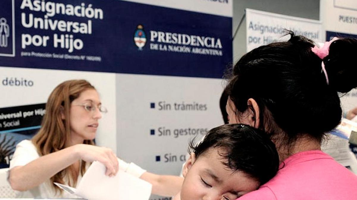 La Administración Nacional de la Seguridad Social (ANSES) otorgará un pago único para acompañar a trabajadores en blanco a transitar la crisis económica generada por la pandemia.