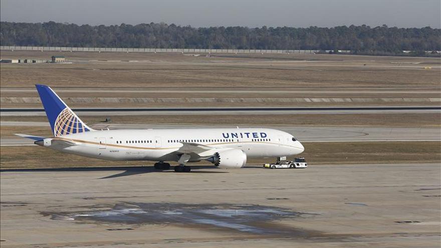 Primer vuelo comercial de un Boeing 787 en EE.UU. tras el problema de las baterías