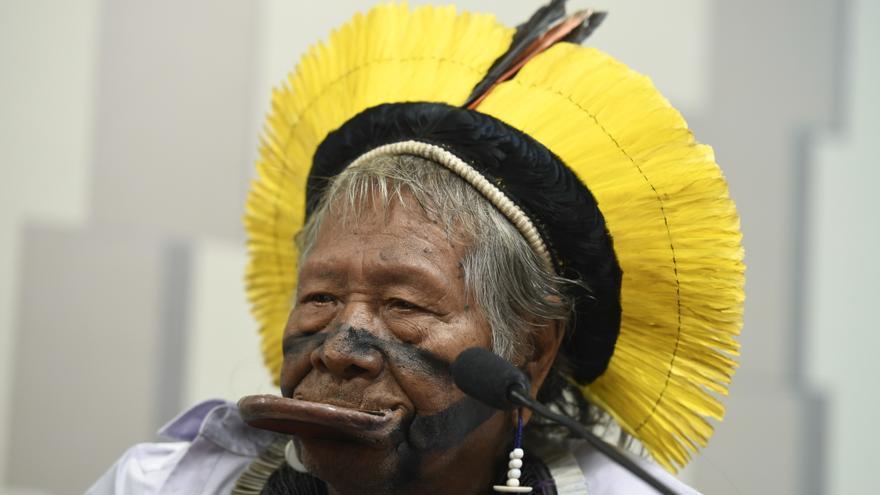 El líder indígena, Raoni Metuktire, durante la Comisión de Derechos Humanos y Legislación Participativa del Senado brasileño en marzo de 2019