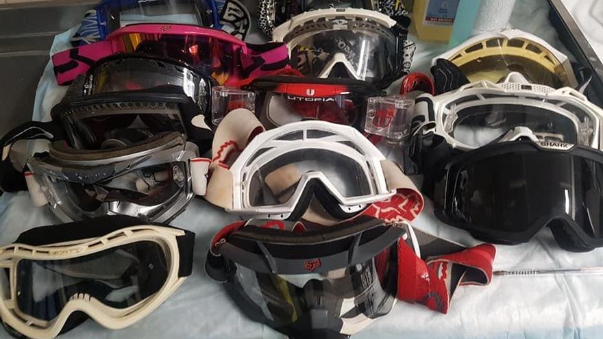 Gafas de moto enviadas a los sanitarios del Hospital de Guadalajara