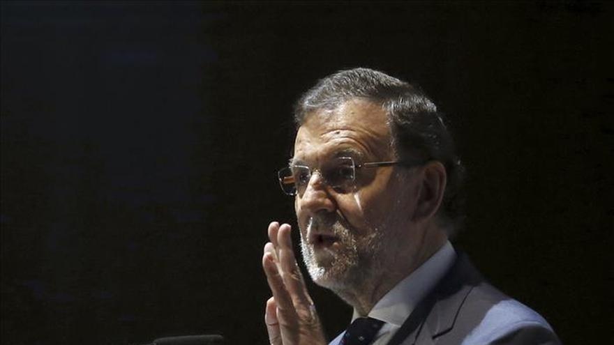 """Rajoy insiste en que para gobernar """"al menos hay que haber sido concejal"""""""
