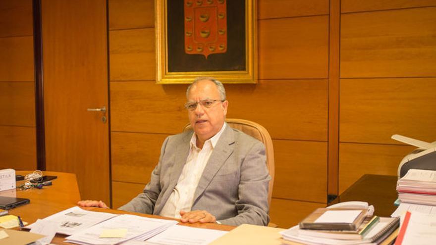 En la imagen, Casimiro Curbelo