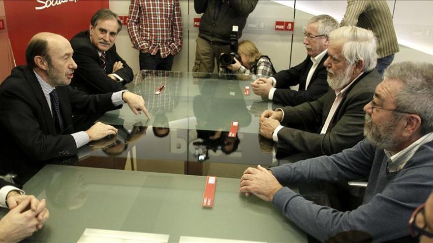 Rubalcaba y Dassis instan a frenar a la derecha en las elecciones europeas