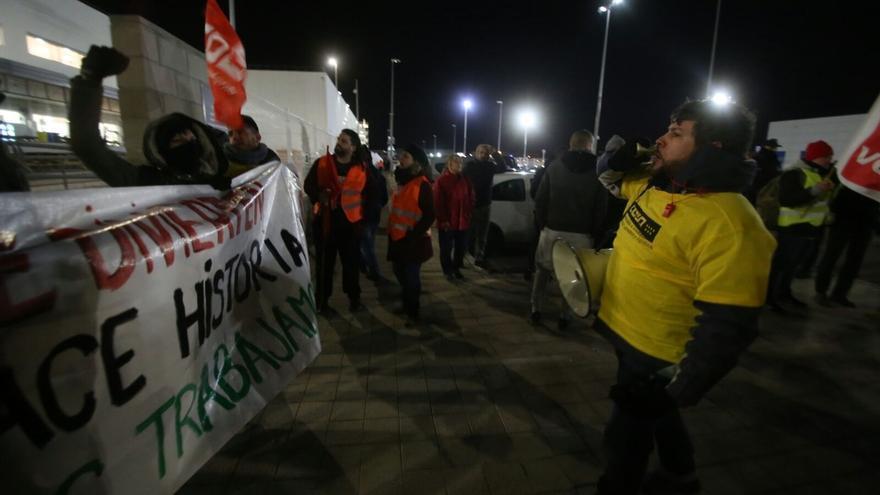 Economía/Empresas-El 98% de los trabajadores de Amazon en San Fernando ha secundado la huelga este miércoles, según CCOO