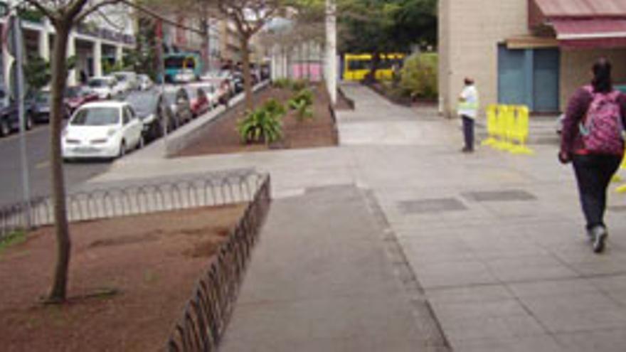 Ampliación del camino peatonal del Monumento de las Banderas. (AYUNTAMIENTO LPGC)