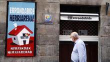 "Aparece con pintadas de ""Sortu culpable"" la herriko taberna de Bilbao"