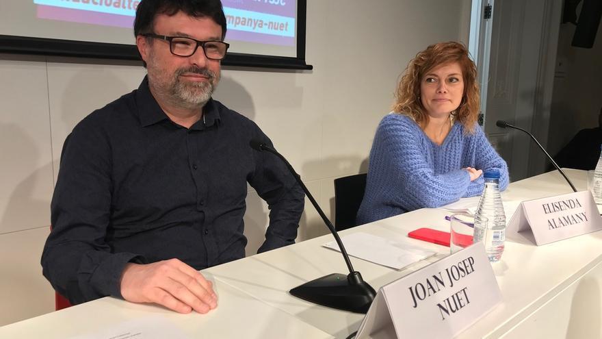 El diputado de Catalunya en Comú, Joan Josep Nuet, junto a la diputada no adscrita