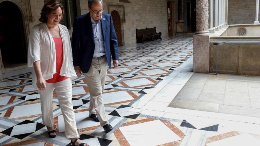 Torra y Colau se emplazan a hablar de Presupuestos catalanes y de Barcelona