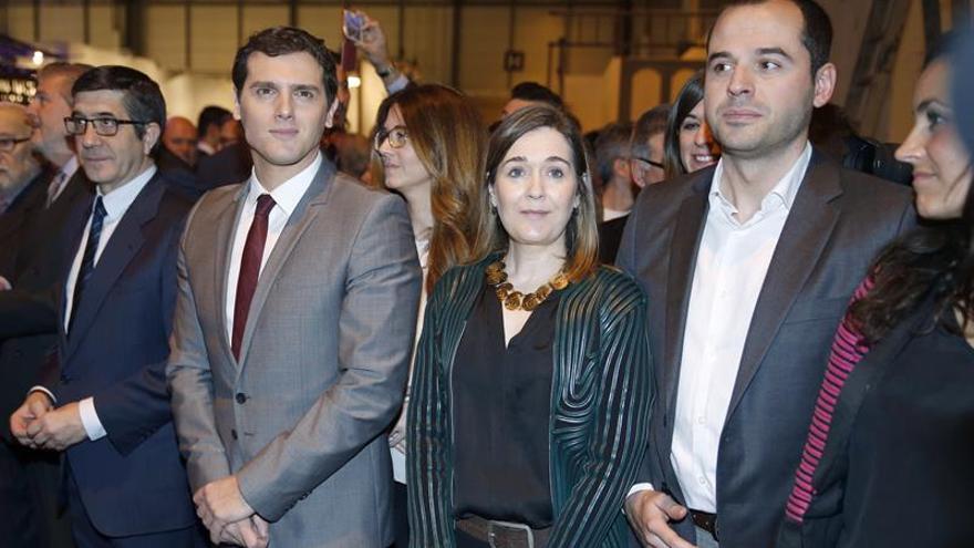 Rivera pide a Rajoy sumarse al pacto porque los votantes del PP comparten medidas
