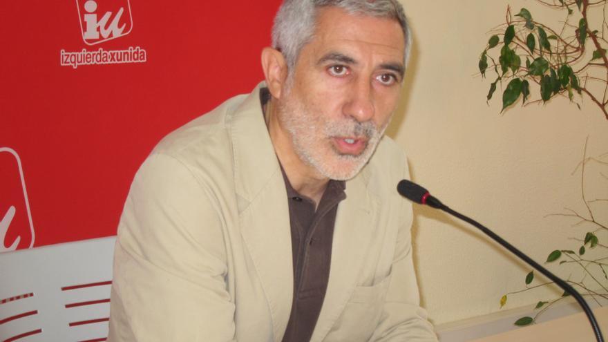 """Llamazares pide al Gobierno que despeje """"cuanto antes y sin ambigüedades"""" si prorrogará la ayuda de 426 euros"""
