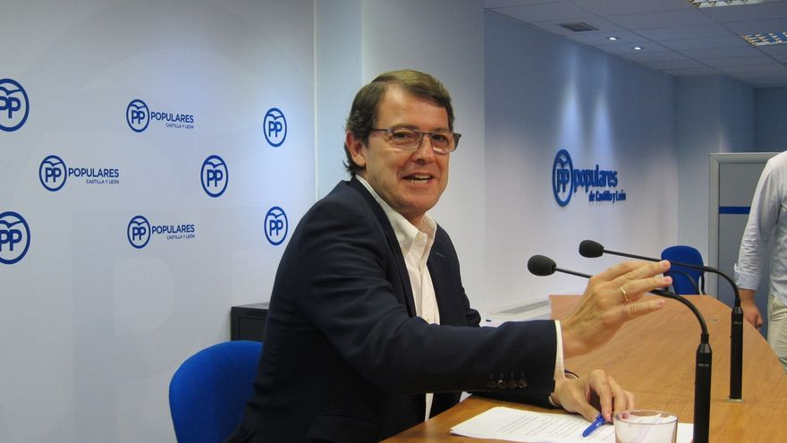 """Mañueco, """"encantado"""" de que Igea entrara en el Gobierno, dice que no se han concretado los alcaldes de Burgos y Palencia"""