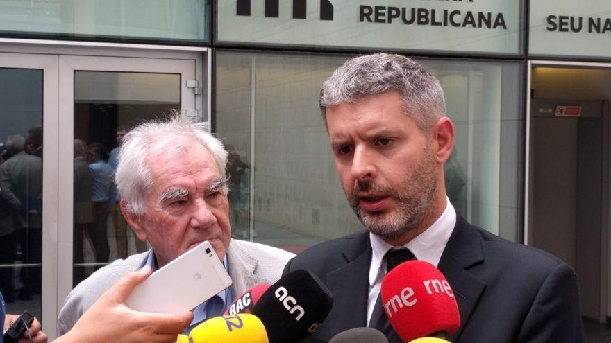 Ernest Maragall y Andreu Van Den Eynde durante la comparecencia de prensa