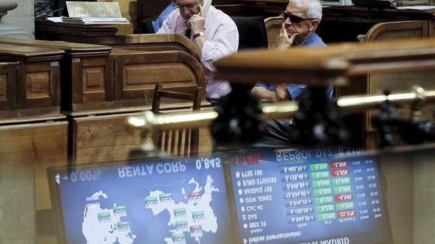 España capta 4.463 millones y coloca bonos a 5 años con interés negativo