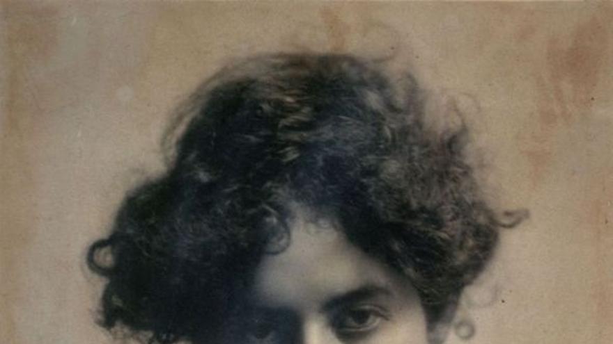 Una joven e incendiaria Mary MacLane