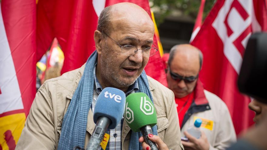Joan Carles Gallego, entrevistado antes de la manifestación Foto: Enric Català