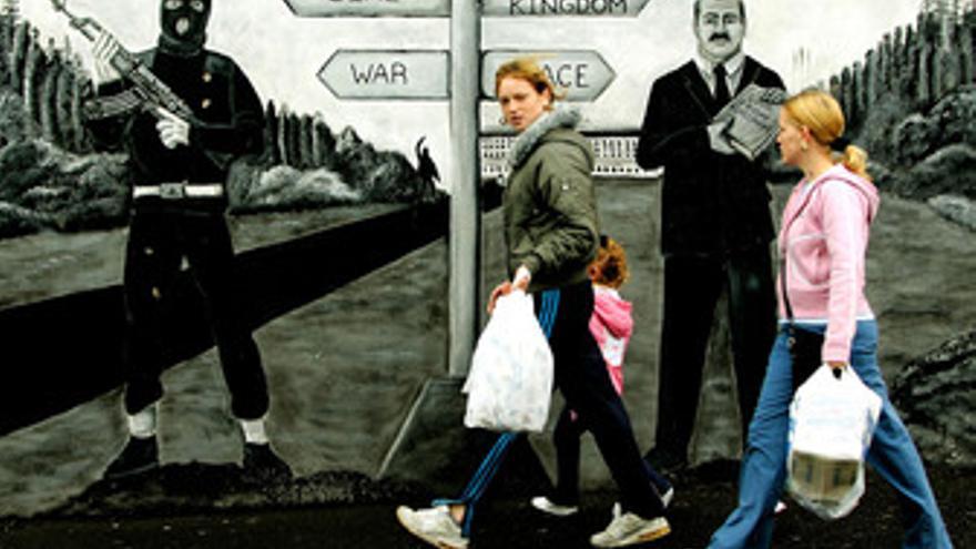 Mural unionista-probritánico en Irlanda del norte (ulster)