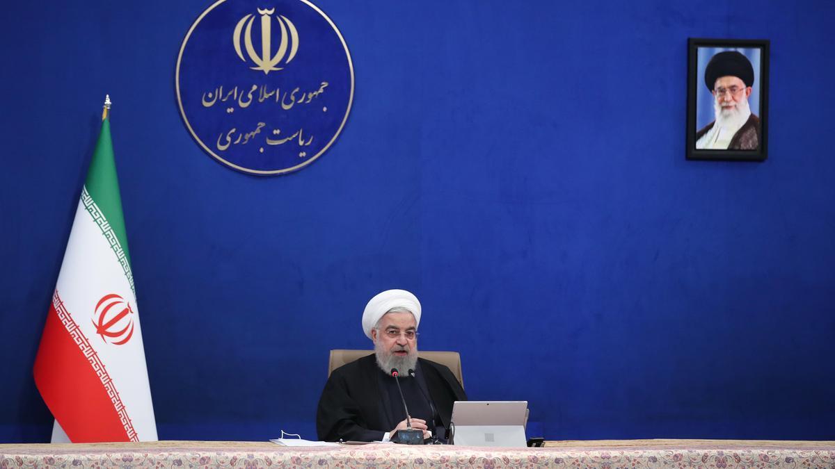 El presidente iraní, Hasán Rouhaní, interviene durante la reunión del gabinete celebrada este miércoles 17 de febrero.