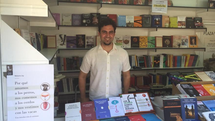 Marcos de Miguel, editor de Plaza y Valdés, en la Feria del Libro de Madrid 2015