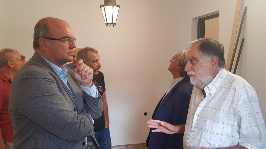 Visita a las futuras instalaciones de la Sociedad Económica de Amigos del País.