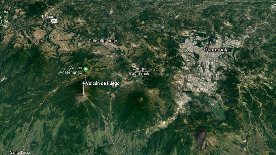 Localización del volcán de Fuego, a 35 kilómetros de la capital de Guatemala.