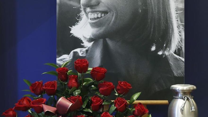 La familia de Chacón agradece en Twitter el cariño expresado tras su fallecimiento