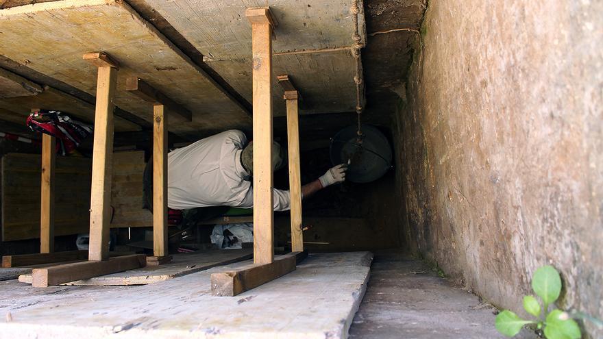 Trabajos arqueológicos en el cementerio de San José, en Cádiz. | JUAN MIGUEL BAQUERO