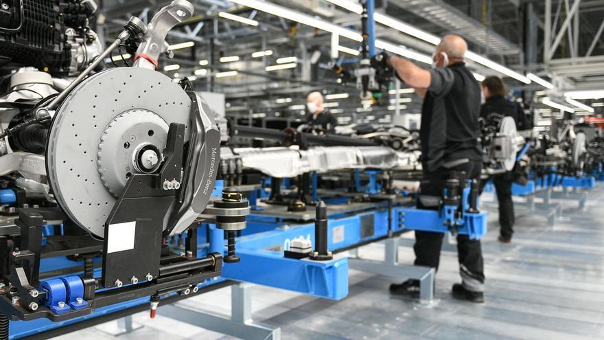 La producción industrial crece el 0,8 % en la eurozona y el 0,5 % en la UE en abril