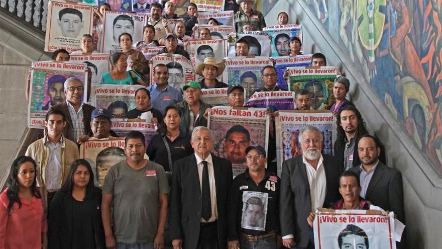 Padres de Ayotzinapa le reprochan al Gobierno de México la liberación de 24 acusados