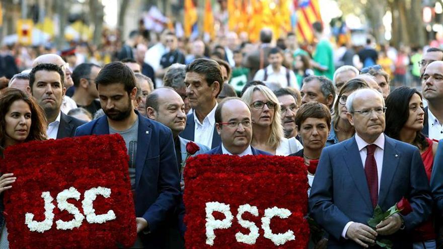 """Iceta llama a la """"unidad"""" en contraste a quienes quieren """"dividir"""" a Cataluña"""