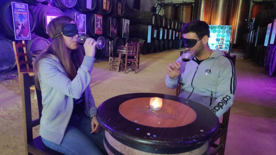 En la visita sensorial el vino cuenta historias al visitante.