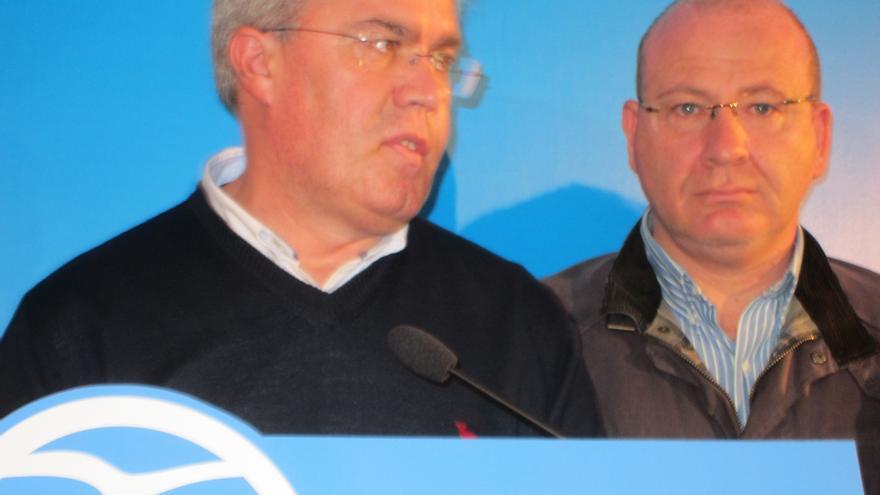 Fernández de Moya anuncia su renuncia al escaño aunque mantiene la presidencia del PP provincial