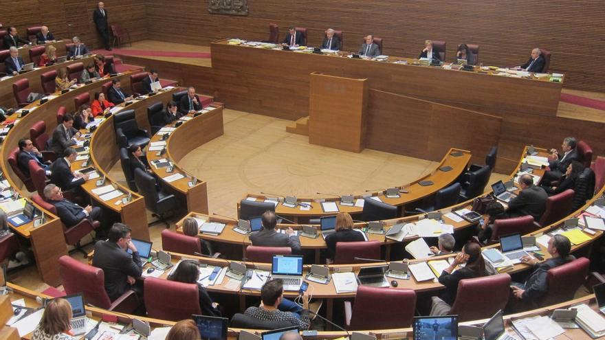 El PP aprueba en solitario los presupuestos de la Generalitat valenciana para 2015 que suben un 6,6%