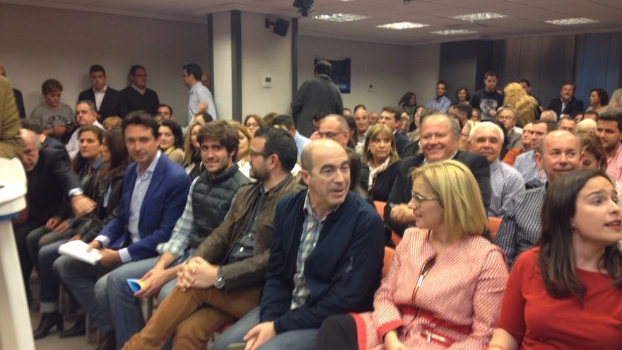 Una Junta Directiva del PP de Valencia tumba con gran tensión el Comité Organizador del Congreso propuesto por Beto