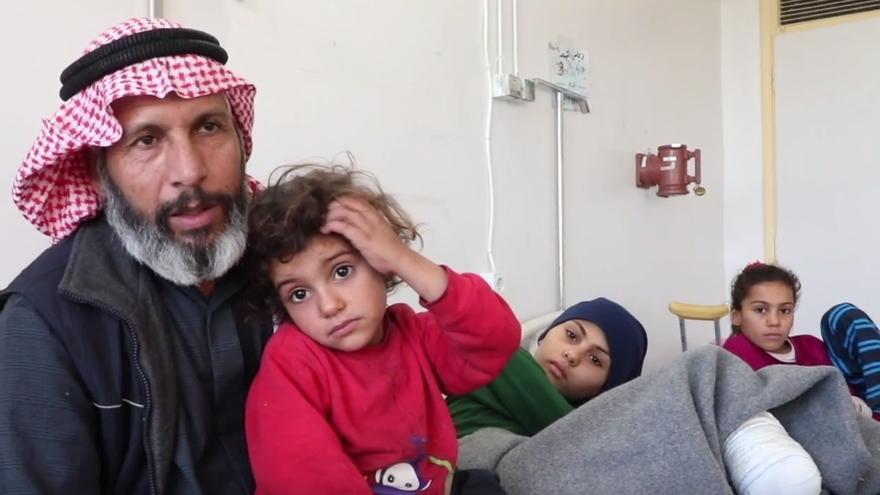 Humaid y sus hijas, heridas por una explosión de una trampa explosiva.