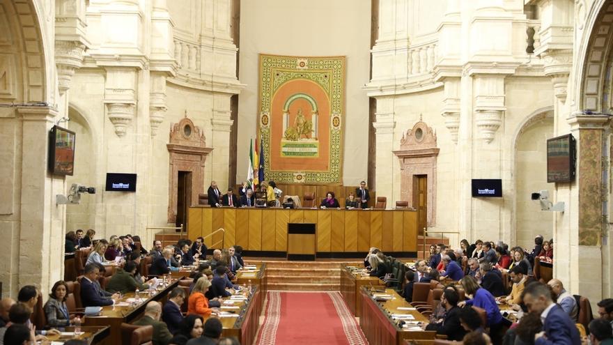 El Pleno da luz verde a adecuar las comisiones permanentes legislativas a las once consejerías del Gobierno PP-Cs